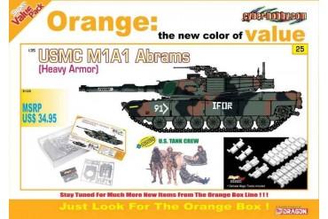 Model Kit tank 9125 - USMC M1A1 ABRAMS (HEAVY ARMOR) + U.S. TANK CREW (1:35)