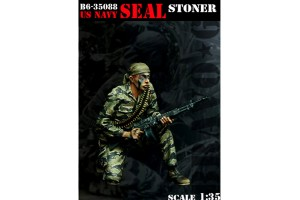 U.S. Navy SEAL with Stoner - 35088