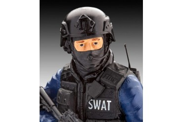 Plastic ModelKit figurka 02805 - SWAT Officer (1:16)