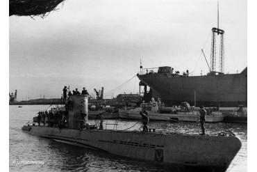 ModelSet ponorka 65155 - German Submarine Type IIB (1943) (1:144)