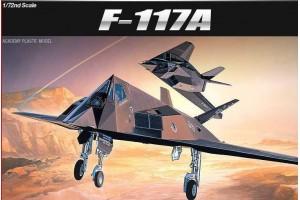 Model Kit letadlo 12475 - F-117A STEALTH FIGHTER/BOMBER (1:72)