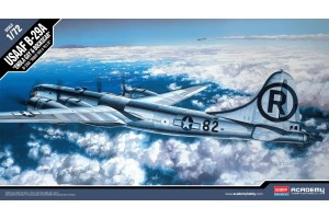 "Model Kit letadlo 12528 - B-29A ""ENOLA GAY & BOCKSCAR"" (1:72)"