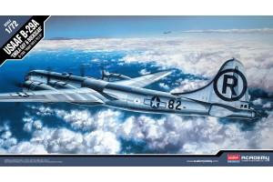 "Model Kit letadlo 12528 - B-29A ""ENOLA GAY & BOCKSCAR"" (1:72)"