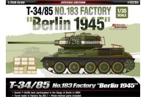 """Model Kit tank 13295 - T-34/85 No.183 Factory """"Berlin 1945"""" (1:35)"""