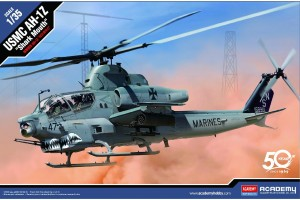 "Model Kit vrtulník 12127 - USMC AH-1Z ""Shark Mouth"" (1:35)"