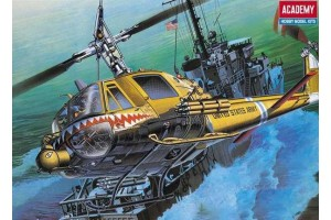 "Model Kit vrtulník 12112 - U.S.ARMY UH-1C ""FROG"" (1:35)"