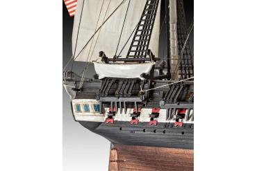 Plastic ModelKit loď 05472 - U.S.S. Constitution (1:146)
