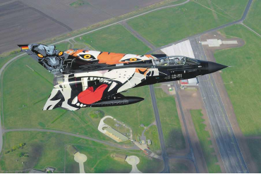 "Plastic ModelKit letadlo 04660 - Tornado ""Black Panther"" (1:72)"